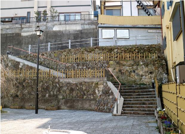 美しい石垣と階段